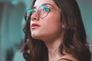 Do Amber Tinted Glasses Block Blue Light?