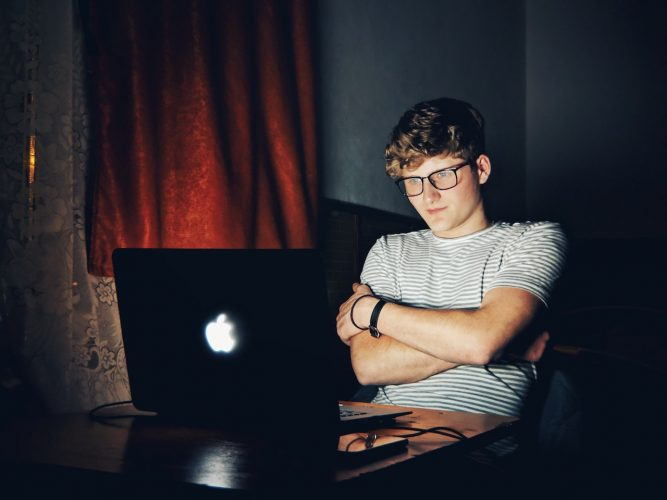 blue-light-blocking-glasses
